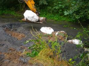 Mise en place d'un cordon de bloc pour maintenir la nouvelle berge